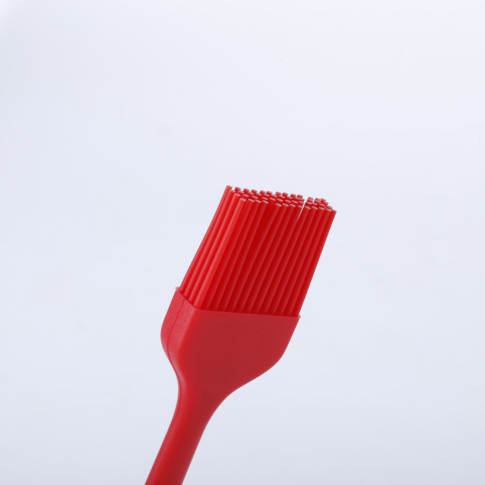 Detail Of The Spikes Of The Silicone Kitchen Brush LOE.
