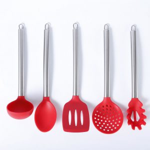 Detail of the Silicone and stainless steel ladle, serving spoon, skimming spoon, slotted spatula and spaghetti spoon set.