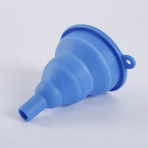Detail of collapsible silicone funnel - 1