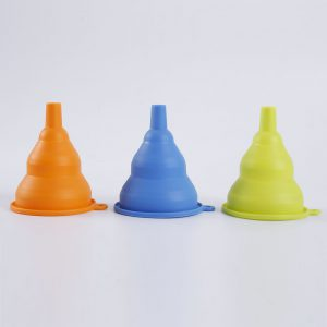 Detail of collapsible silicone funnel - 2