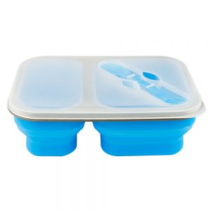 Detail of the collapsible box of silicone with two containers and spork, covered and unfolded.
