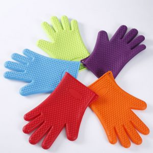 Detail of the range of colors of silicone gloves LOE.