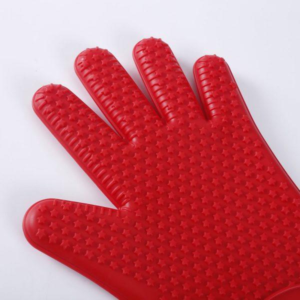 Detalle de la textura del guante de silicona LOE.