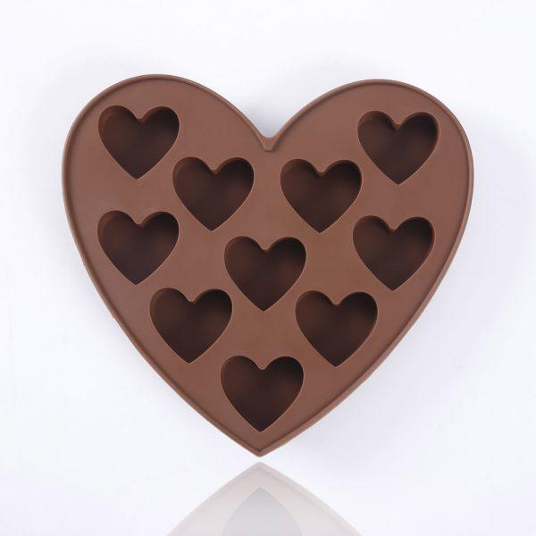 Detalle del molde de chocolate de silicona con forma de corazones - 1