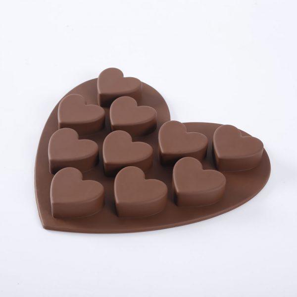 Detalle del molde de chocolate de silicona con forma de corazones - 4