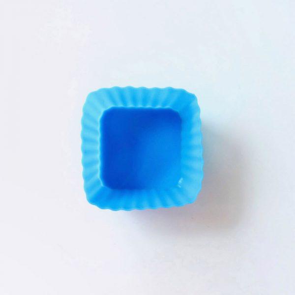 Detalle superior del molde de silicona cuadrado para magdalenas LOE